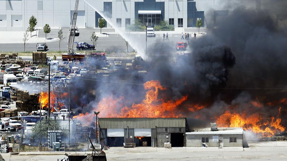 Explosion_Fire_Salt_Lake-0379d_20160708225127-kcCD-U403326118983Wj-992x558@LaVanguardia-Web